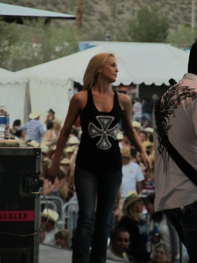 Country thunder 057