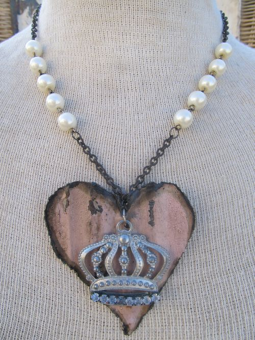 Queen Of Hearts with Pearls